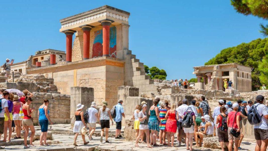 τουριστες κνωσσός κρήτη