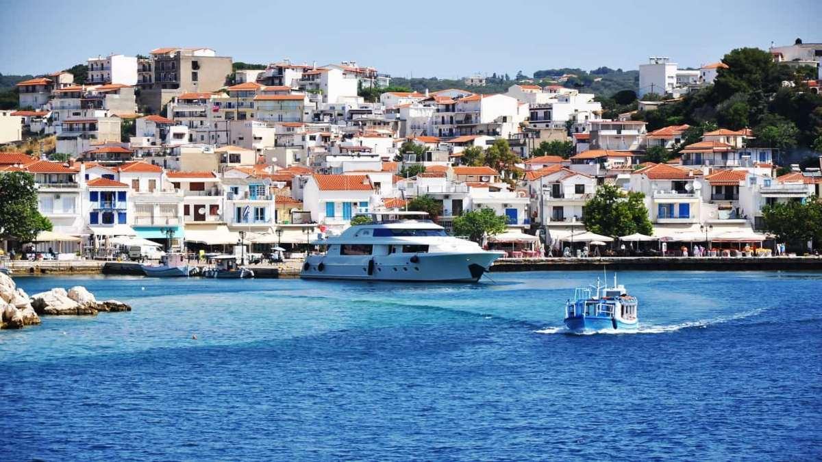 ελληνικό νησί λιμάνι