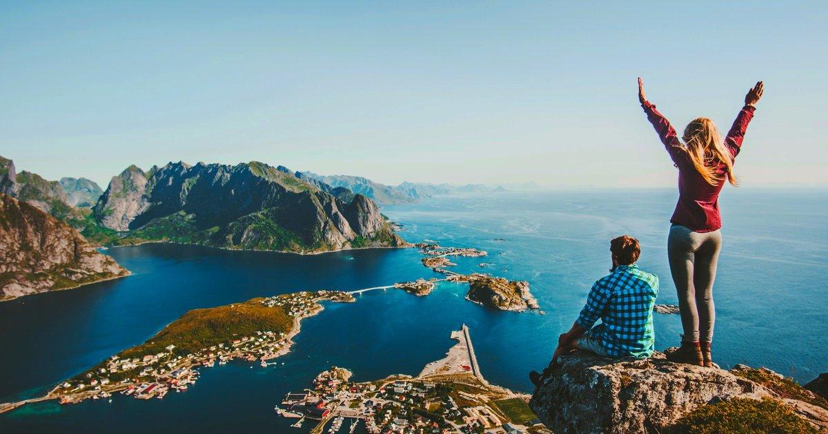 Ταξιδιώτης ή τουρίστας; Ζευγάρι σε ταξίδι