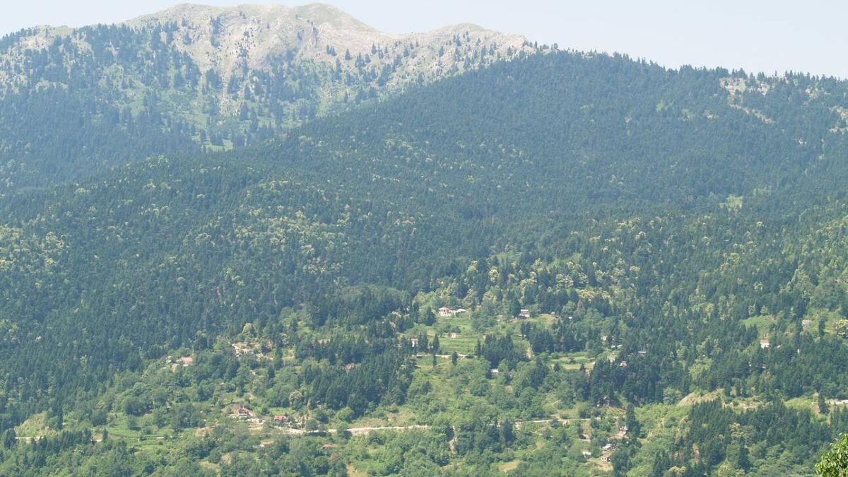 Τρίκαλα Κορινθίας κοντά στην Αθήνα πανοραμική
