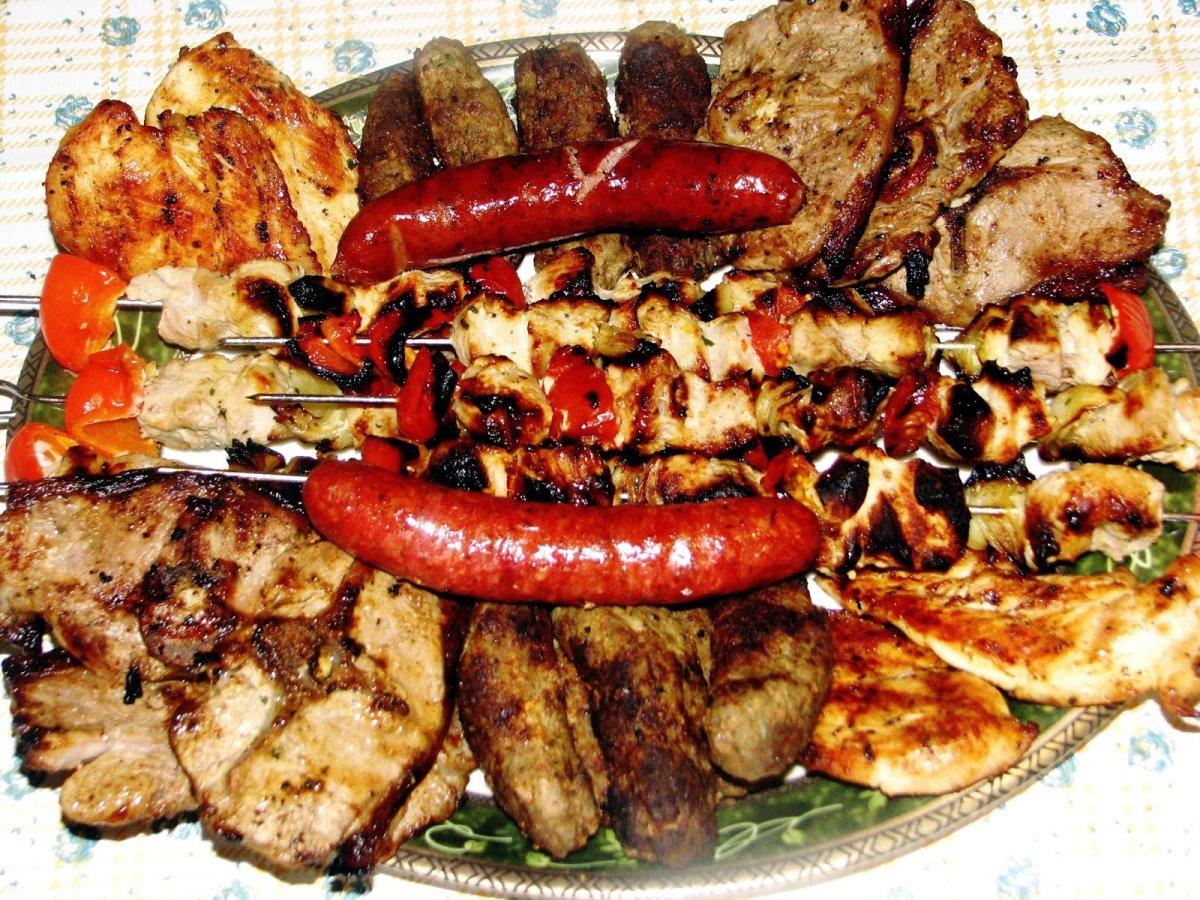 Κουτούκι Τσαμπάση στο Σοφικό καλό φαγητό με κρεατικά