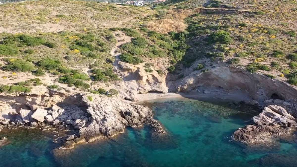 παραλία Τσίου κοντά Αθήνα
