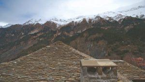 Θεοδώριανα: Το όμορφο χωριό με τους διπλούς καταρράκτες που είναι χτισμένο σε πλαγιά των Τζουμέρκων