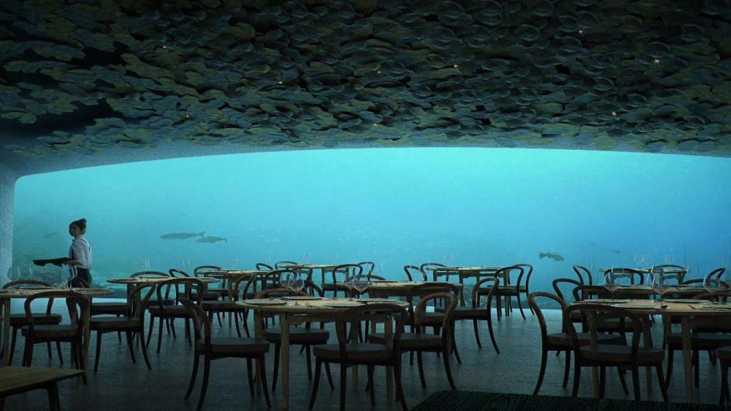 Under εστιατόριο κάτω από τη θάλασσα πανοραμική εσωτερική