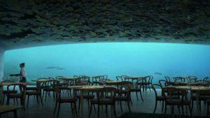 Under: Εστιατόριο 5 μέτρα κάτω από τη θάλασσα! Με θέα τον βυθό!