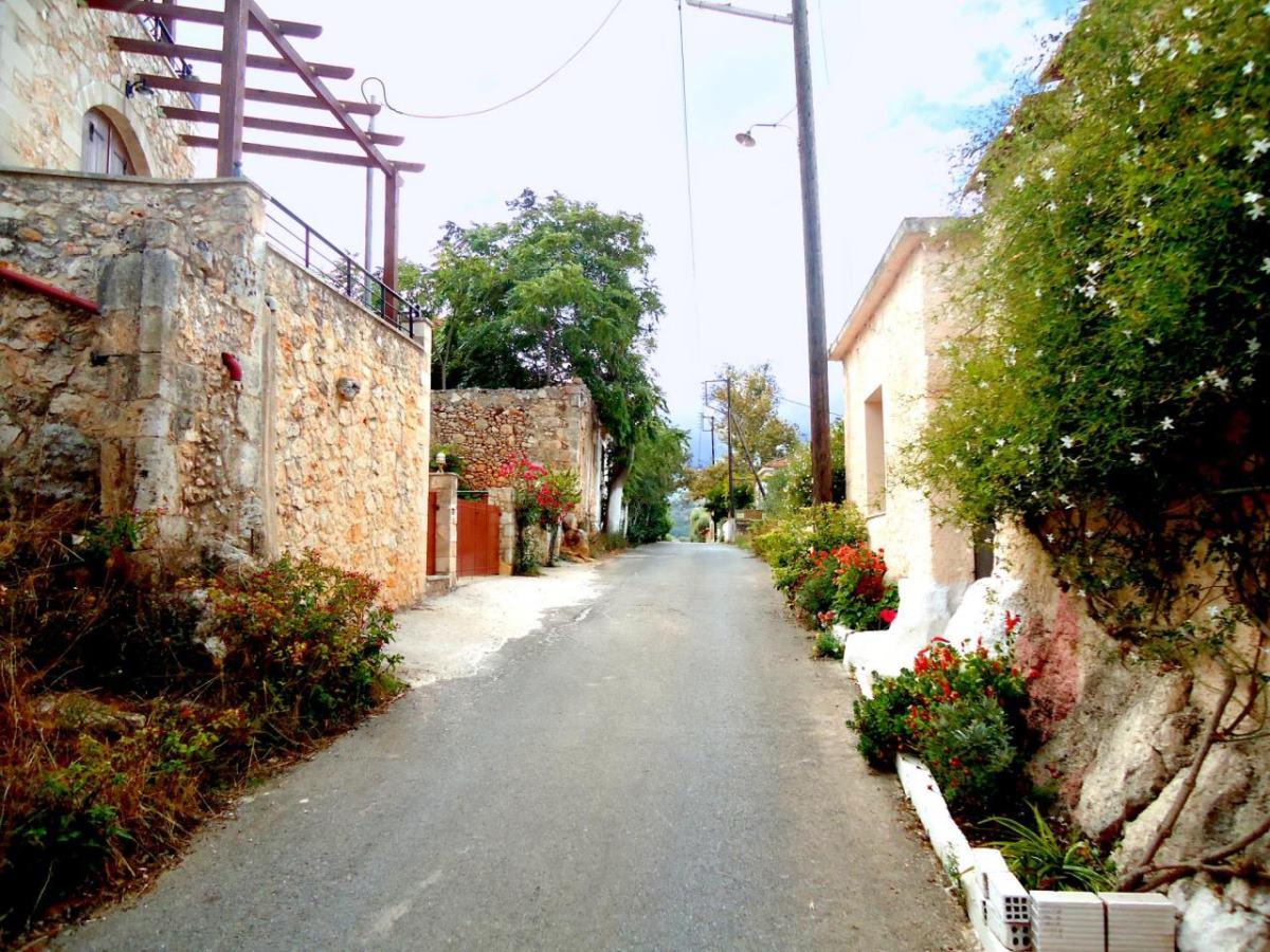 Βάμος χωριό Χανιά δρομάκι