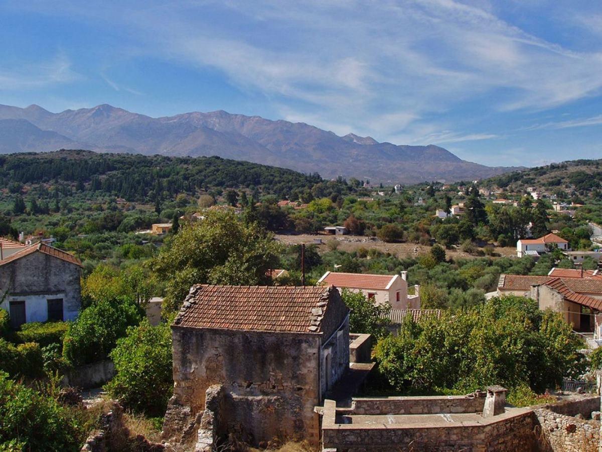 Αρχάνες: Το πολύχρωμο χωριό της Κρήτης που η φήμη του έχει φτάσει στην Ευρώπη!