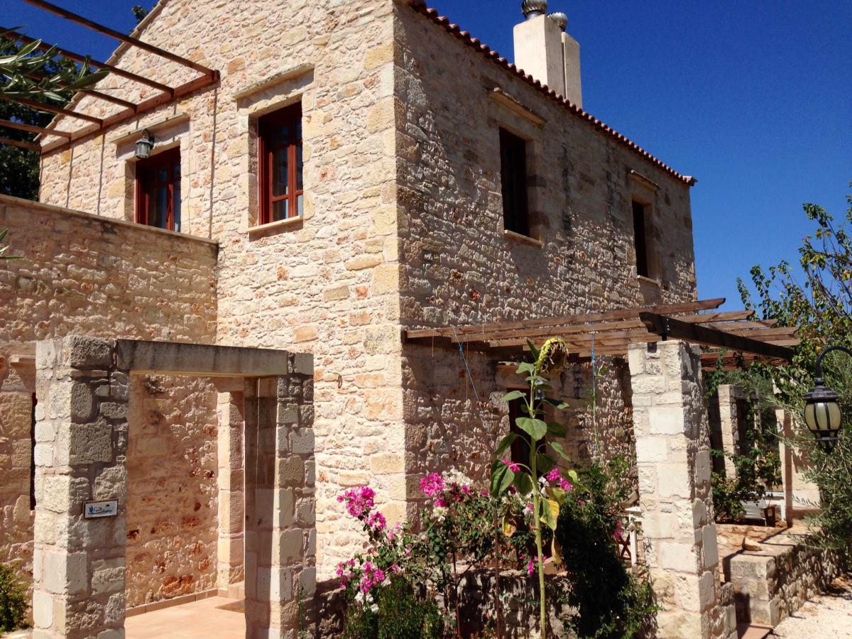 Βάμος χωριό Χανιά πρόσοψη σπιτιού
