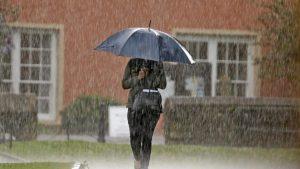Καιρός 22/10: Με αρκετό κρύο, βροχές & καταιγίδες ξεκινά η μέρα