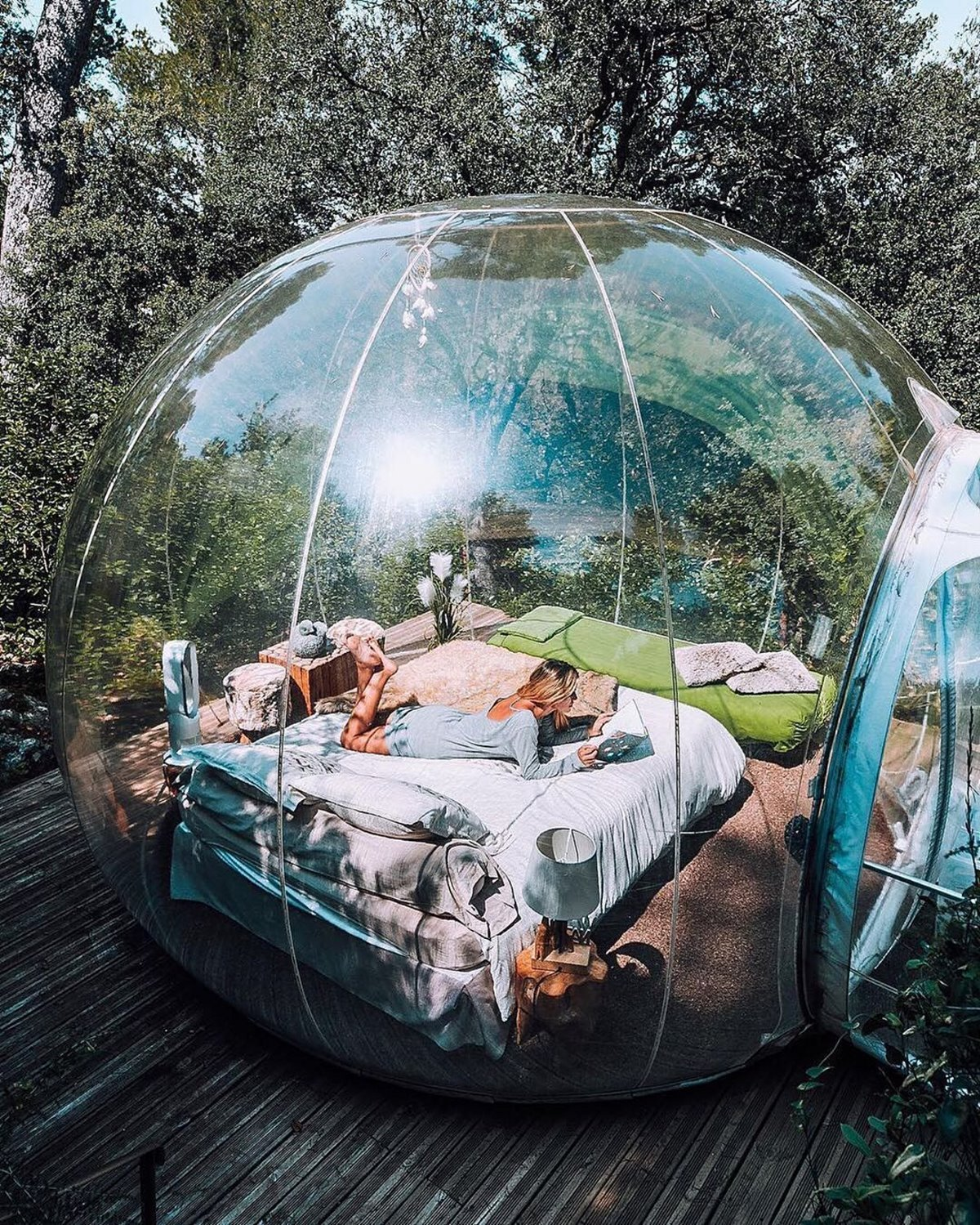 Το εσωτερικό του bubble room στο The Attrap' Reves Hotel, Γαλλία