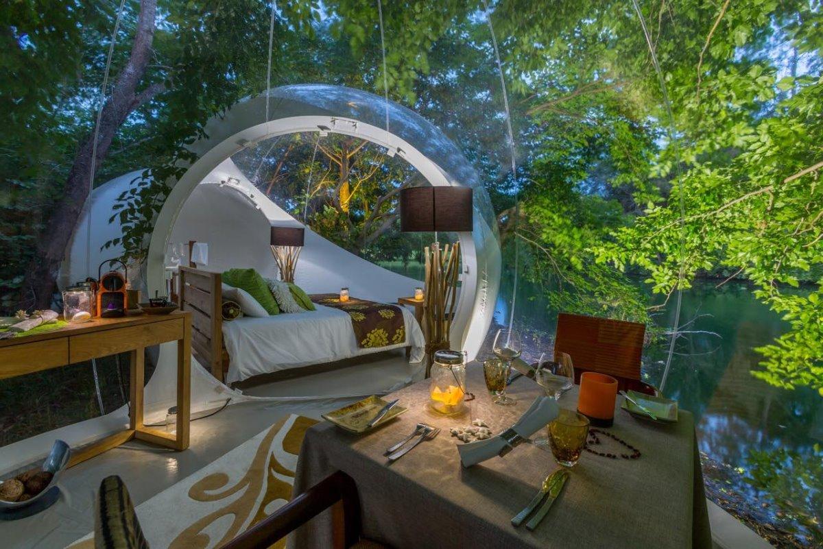 TheΠλήρως εξοπλισμένο το bubble room του Attrap' Reves Hotel, Γαλλία