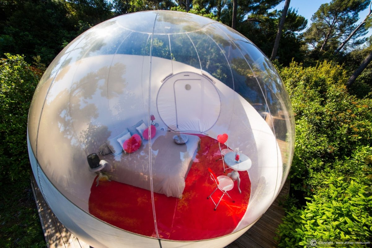 Glamour Bubble στο The Attrap' Reves Hotel, Γαλλία