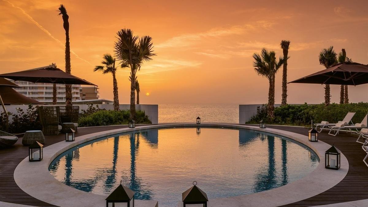 Bvlgari Resort Dubai το πιο ακριβό ξενοδοχείο σε τεχνητό νησί το ηλιοβασίλεμα