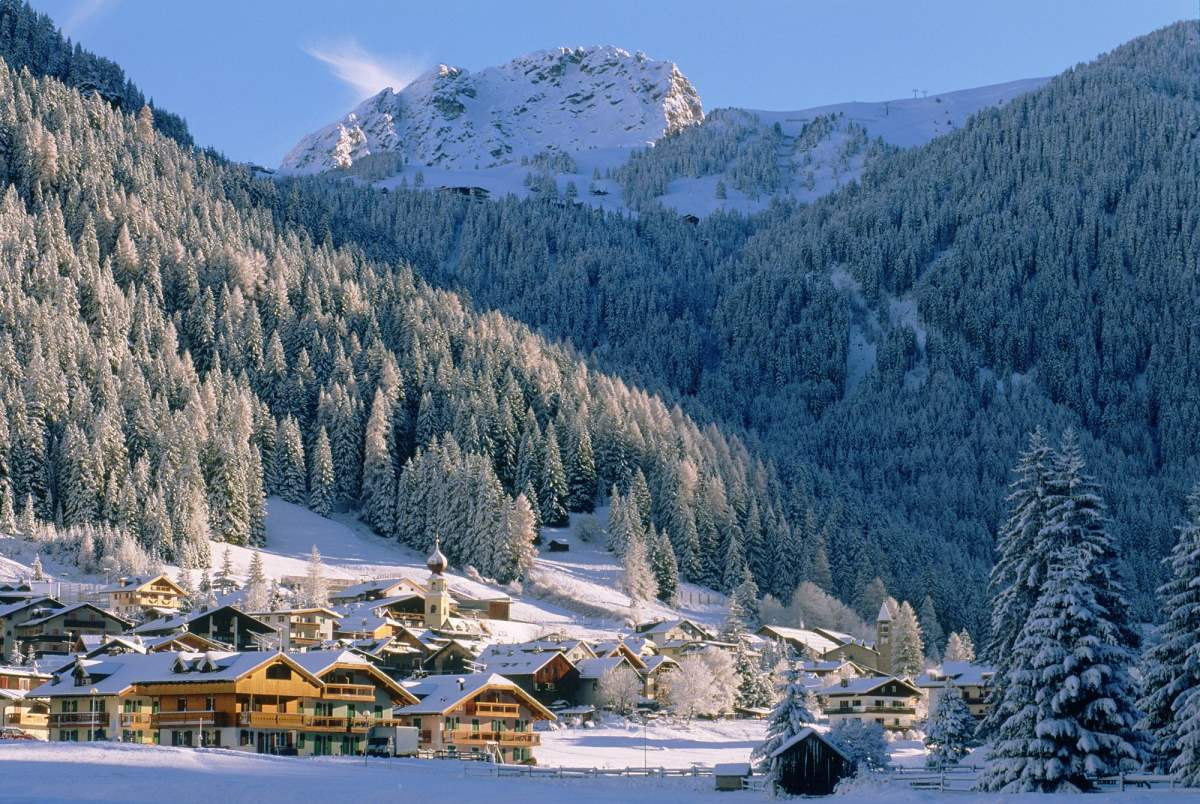 Canazei, Ιταλία, τον χειμώνα με χιόνια