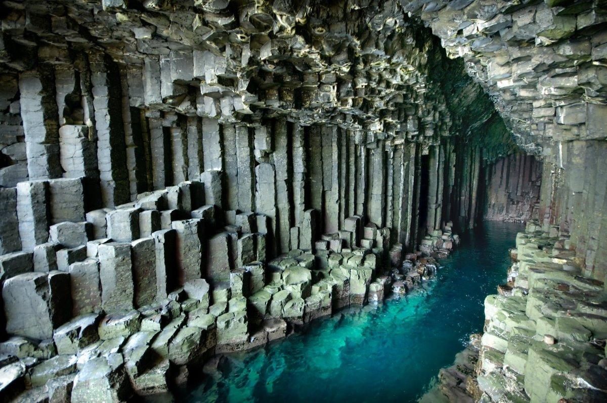 Σπήλαιο Fingal στο εσωτερικό Σκωτία