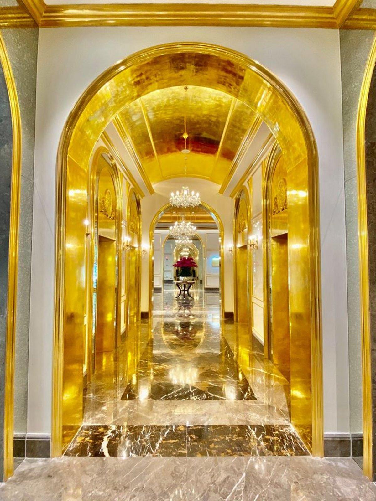 Επίχρυσο ξενοδοχείο Ανόι με χρυσό στους διαδρόμους