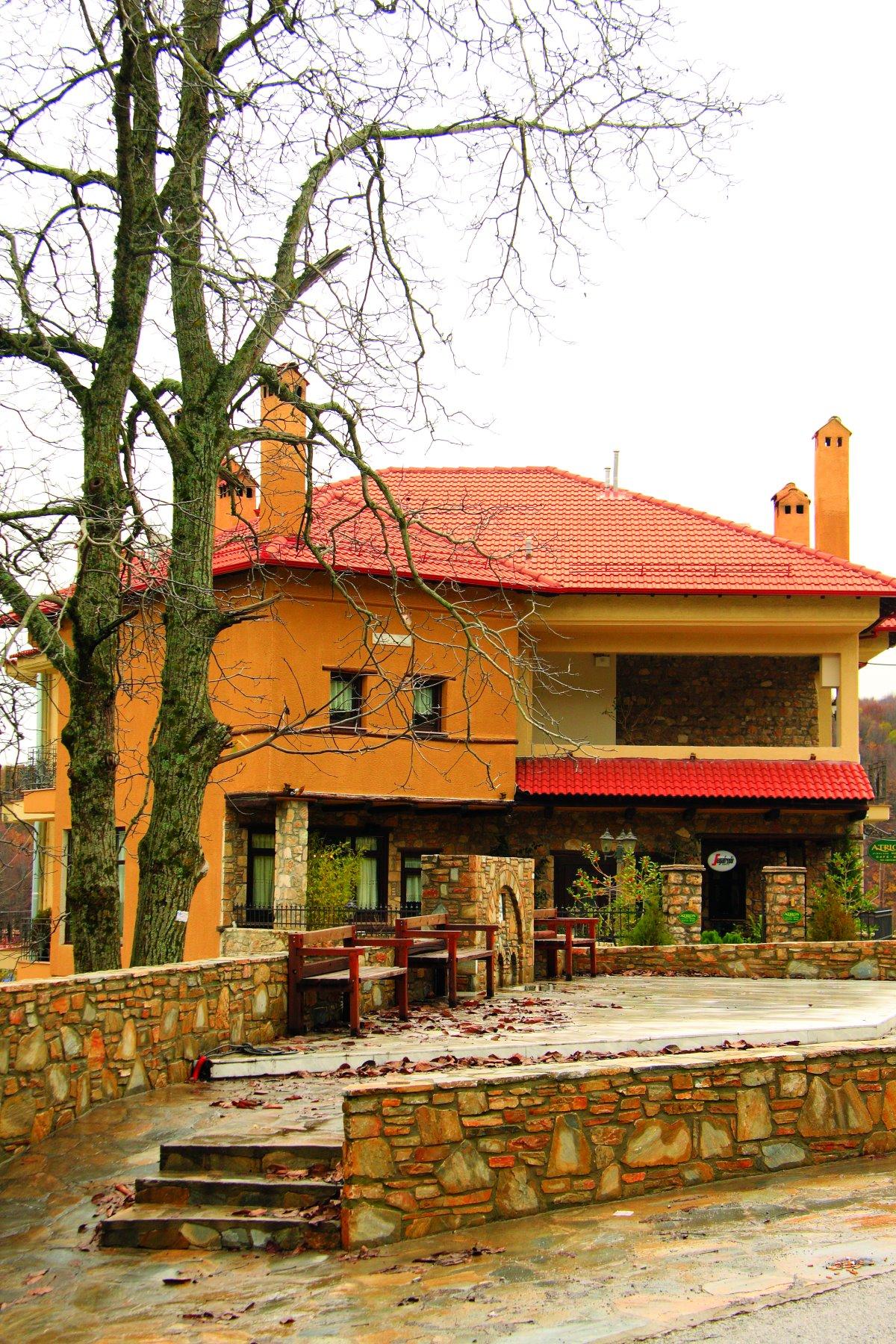 Ελατοχώρι Πιερίας παραδοσιακό σπίτι στο χωριό
