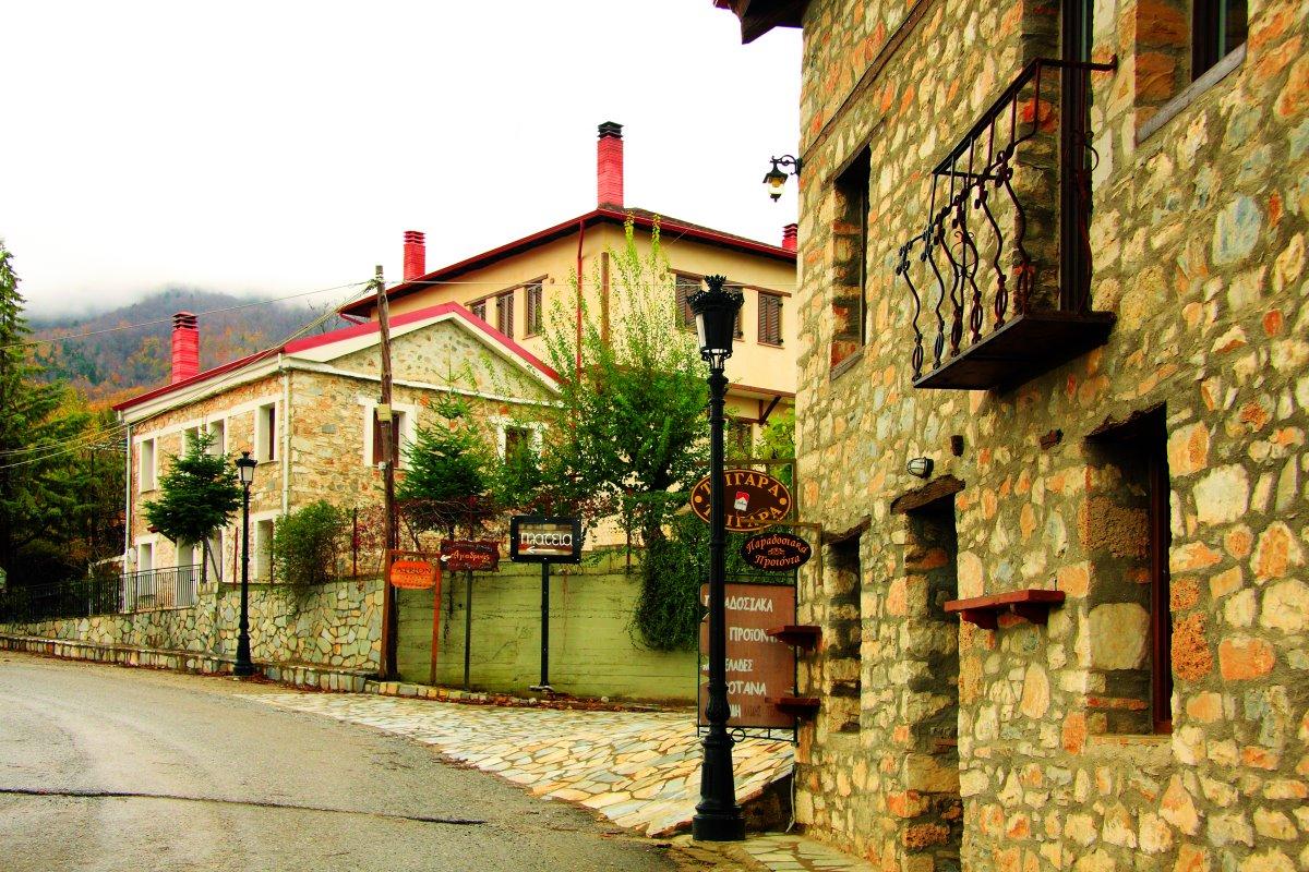 Ελατοχώρι Πιερίας πέτρινα σπίτια γραφικός οικισμός