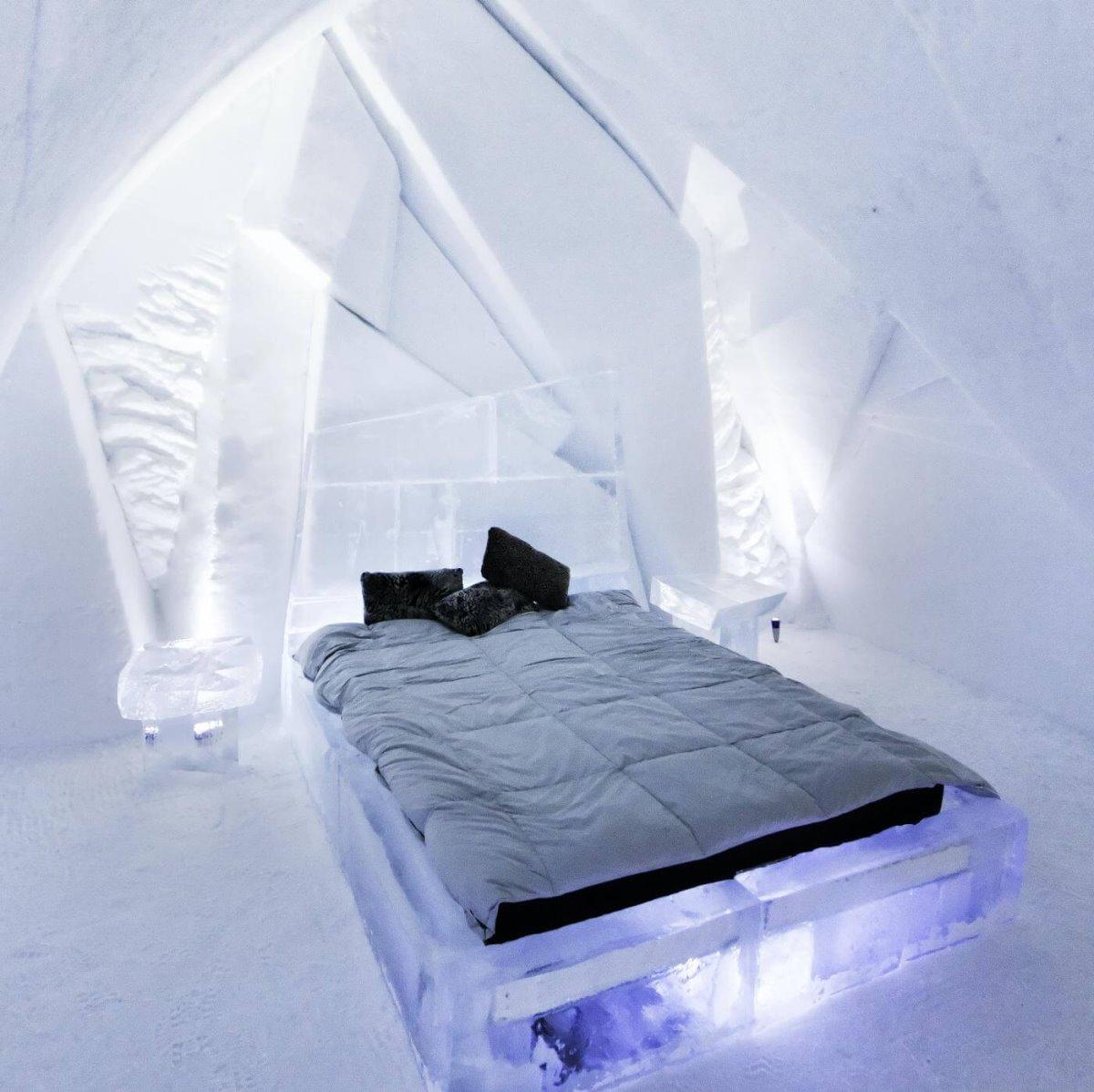 Μέσα στο παγωμένο ξενοδοχείο  De Glace