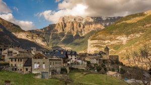 Ευρώπη: Ανακαλύπτουμε 6 ορεινά χωριά που μοιάζουν να έχουν βγει από… καρτ ποστάλ!