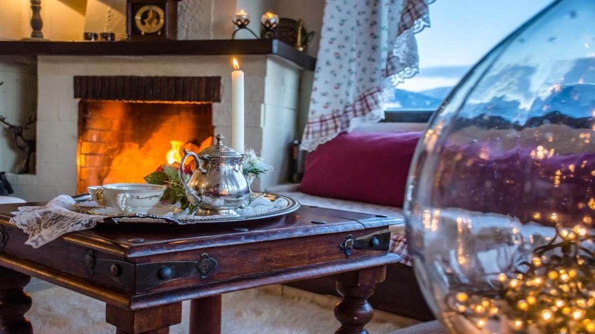 """Καρπενήσι: Ο ξενώνας """"Αερικό"""" θα σας μεταφέρει στην αγγλική εξοχή - Ρομαντικό country style & βαθμολογία 9,6"""