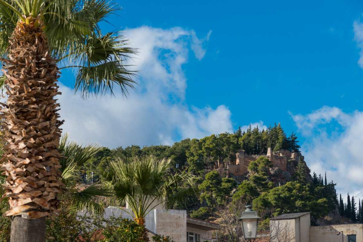 Άμφισσα, θέα στο Κάστρο