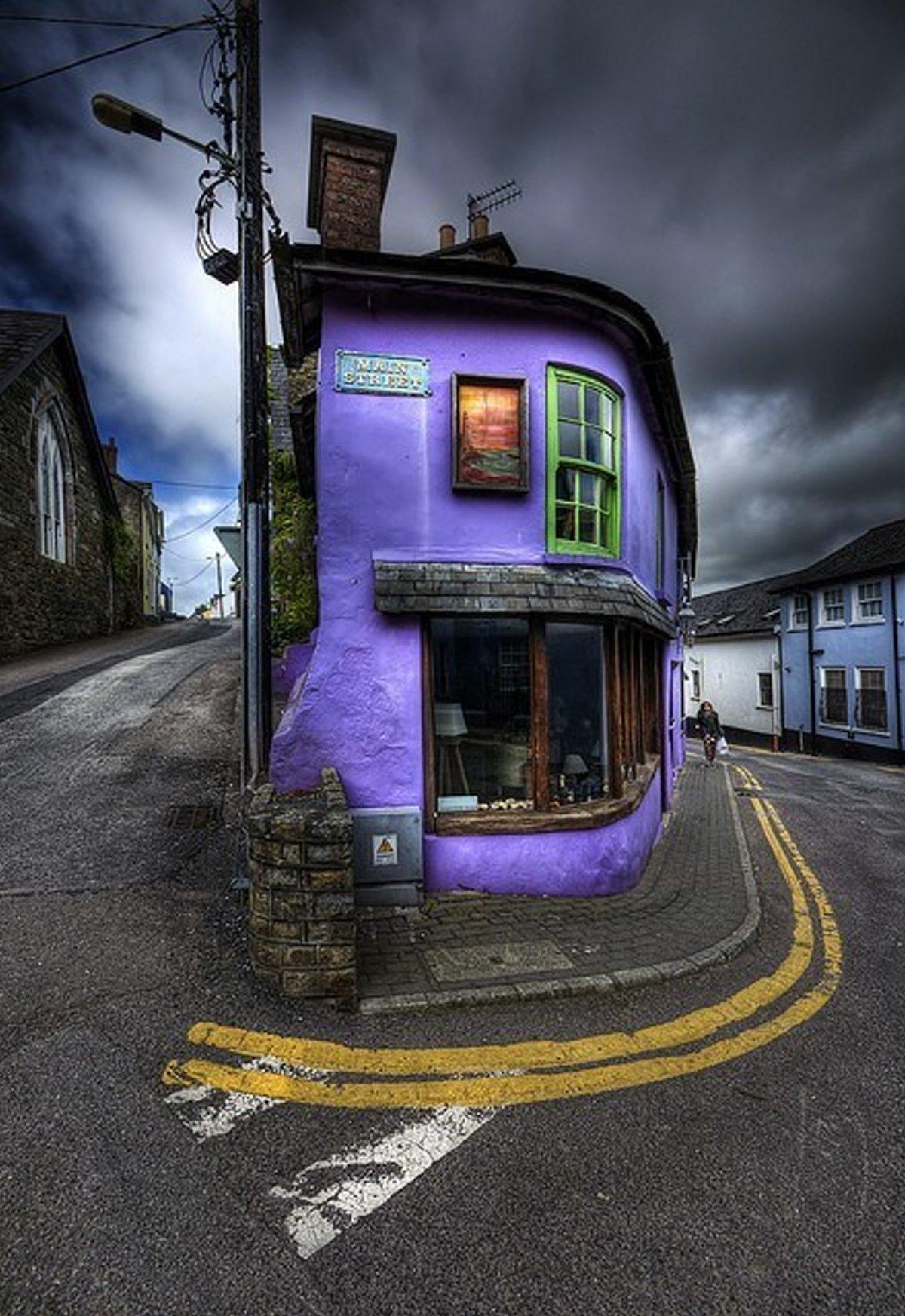 όμορφο σοκάκι στο Kinsale στην Ιρλανδία