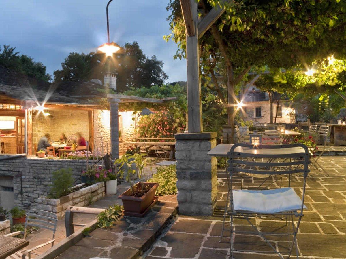 Ξεώνας Astra Inn στο Μεγάλο Πάπιγκο με τοπικές συνταγές στα πιάτα