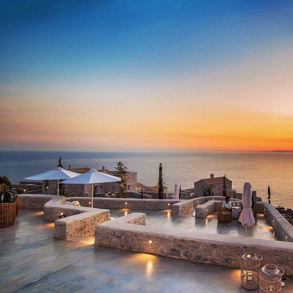 Bassa Maina ξενώνας Αρεόπολη ηλιοβασίλεμα με υπέροχη θέα
