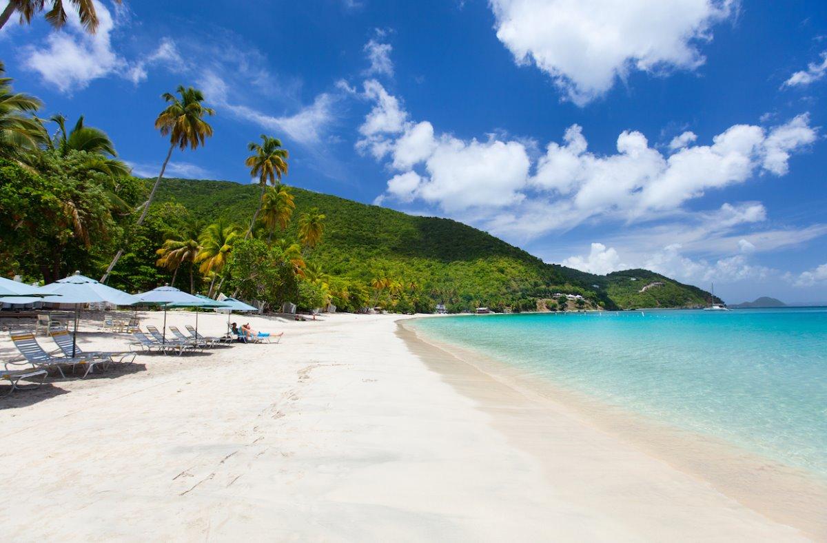 Εργασία και διαμονή σε νησί της Καραϊβικής μπροστά στην παραλία