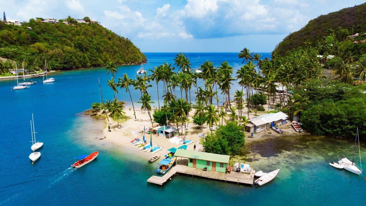 Εργασία και διαμονή σε νησί της Καραϊβικής δίπλα στην παραλία