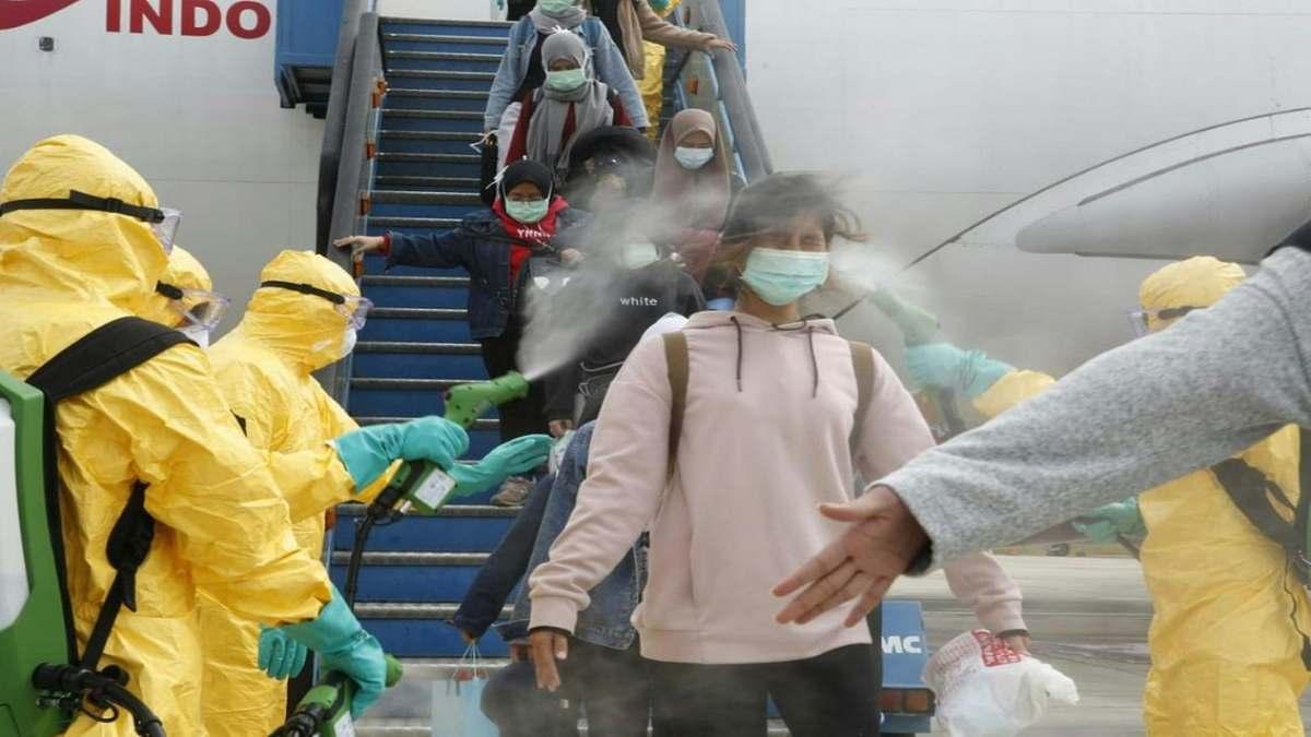 Κίνα απαγόρευση σε Βέλγους και Βρετανούς με αεροπλάνο απολύμανση