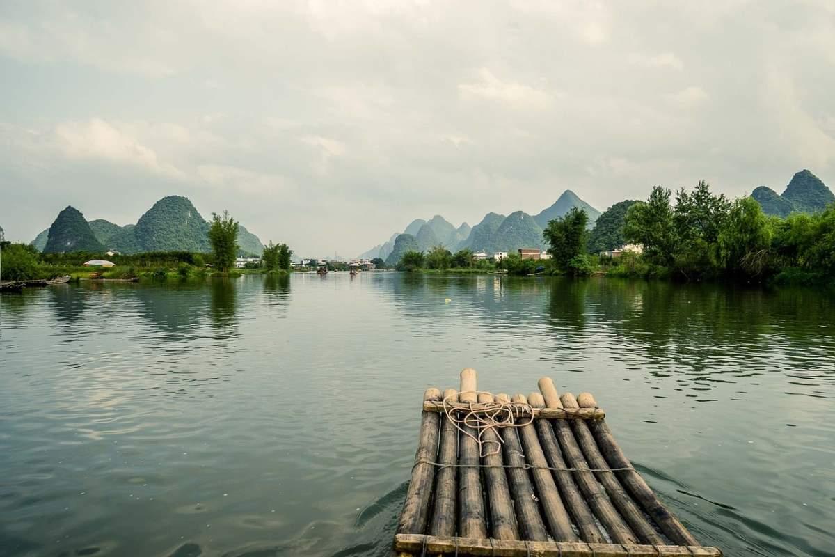 Γκουιλίν, Κίνα με σχεδία στη θάλασσα