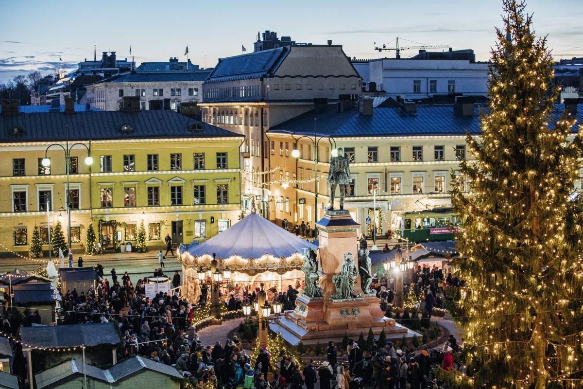 χριστουγεννιάτικες αγορές ανοιχτές στον κόσμο εν μέσω πανδημίας στο Ελσίνκι