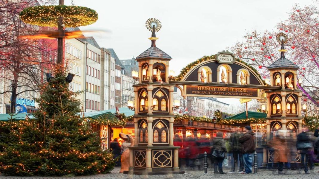 χριστουγεννιάτικες αγορές ανοιχτές στον κόσμο εν μέσω πανδημίας