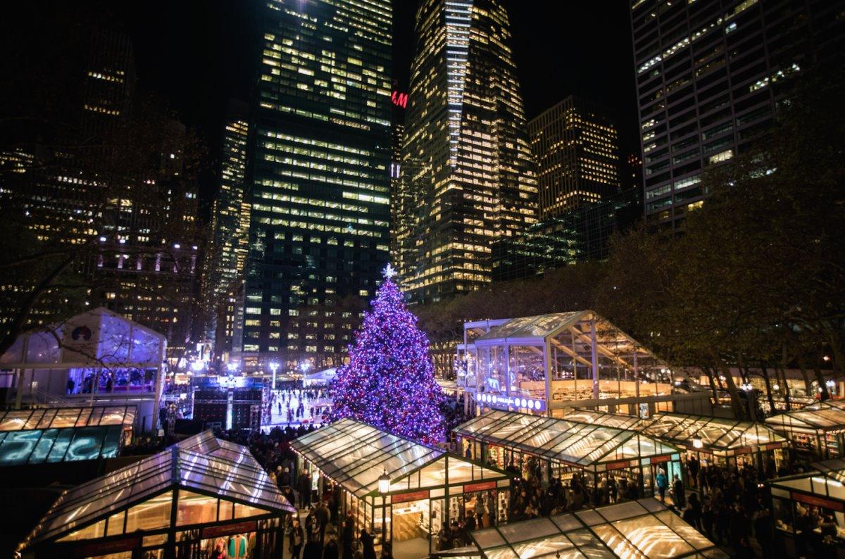 χριστουγεννιάτικες αγορές ανοιχτές στον κόσμο εν μέσω πανδημίας στη Νέα Υόρκη