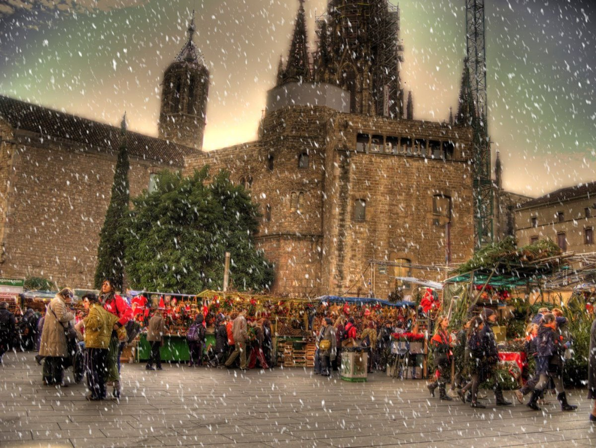 χριστουγεννιάτικες αγορές ανοιχτές στον κόσμο εν μέσω πανδημίας στη Βαρκελώνη