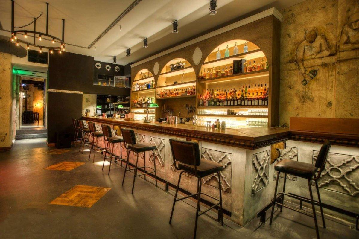 50 καλύτερα bars στον κόσμο και 2 ελληνικά το Clumsies στην 3η θέση