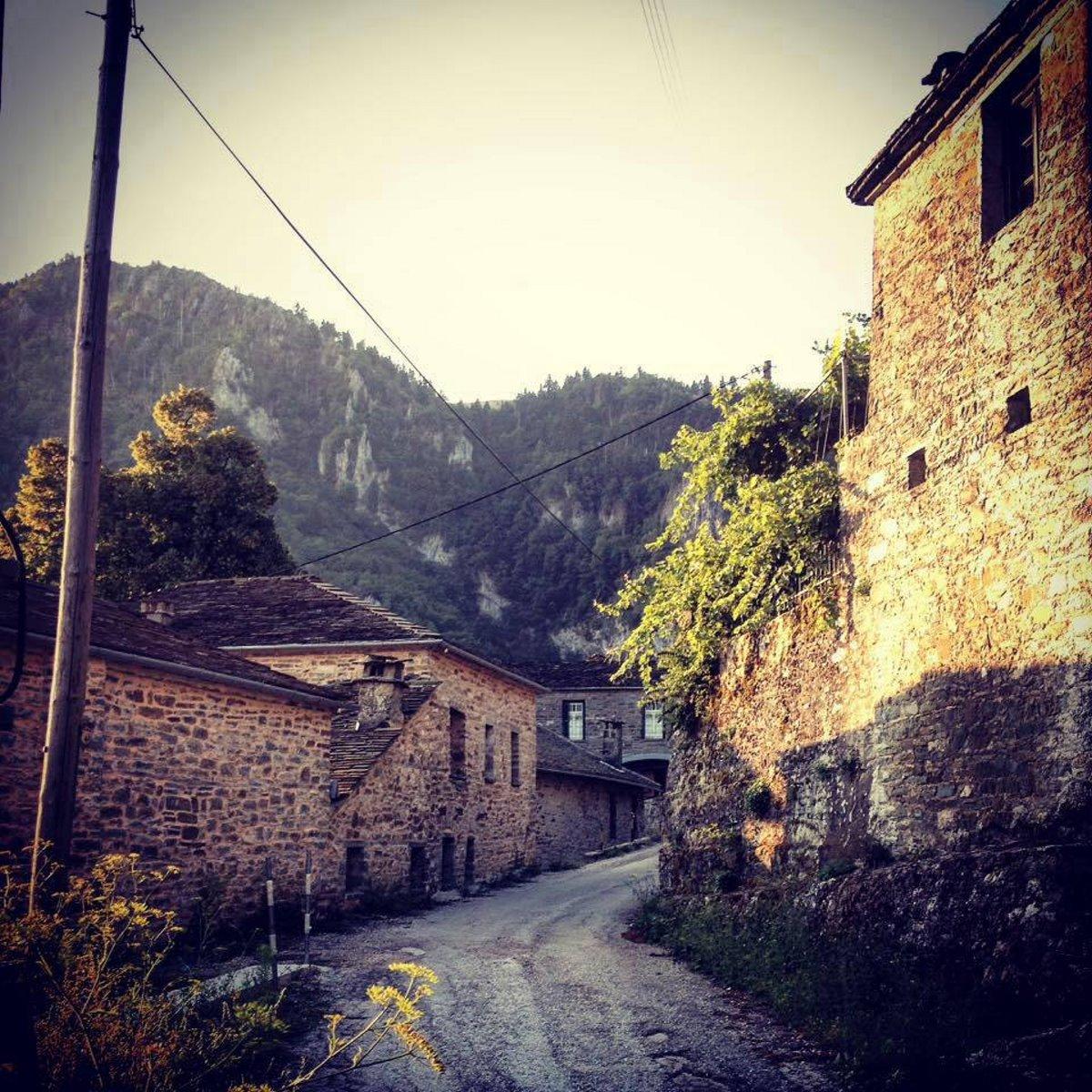Δίκορφο Ιωαννίνων άγνωστο χωριό πέτρινα καλντερίμια