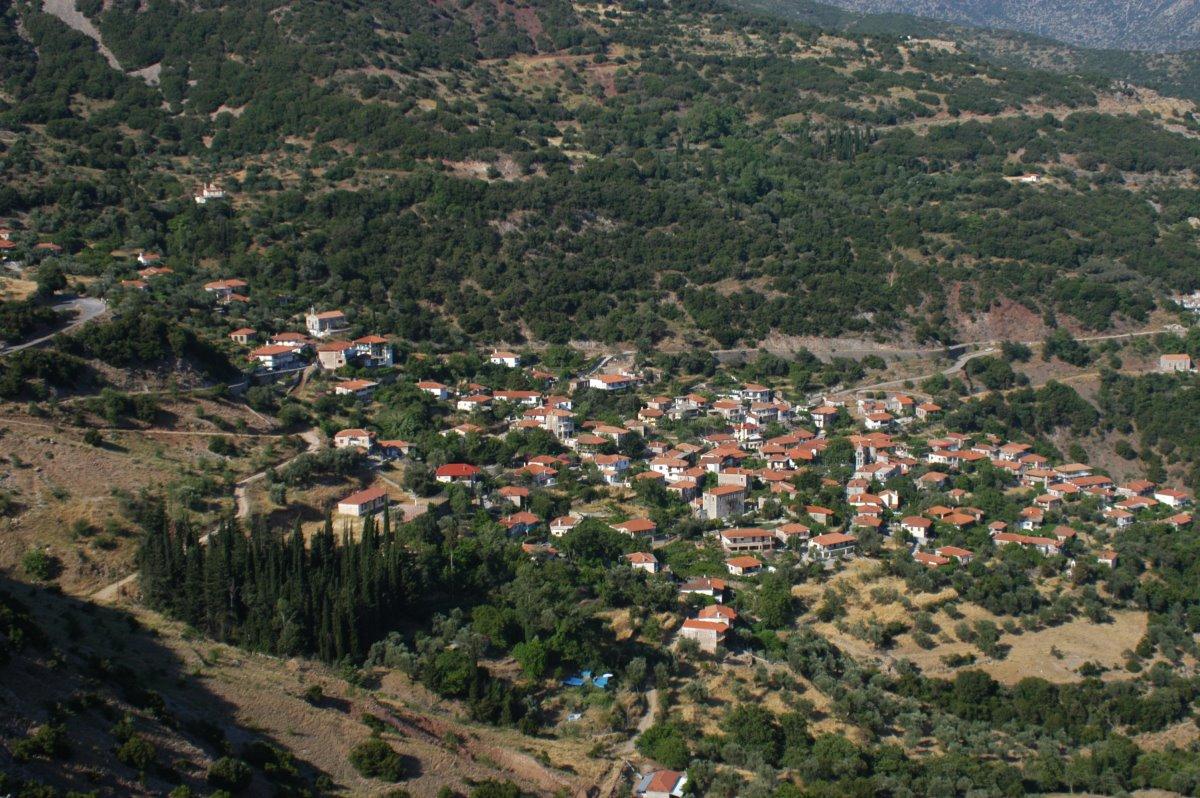 γραφικά χωριά πελοποννήσου όπως η άγνωστη Δήμητρα