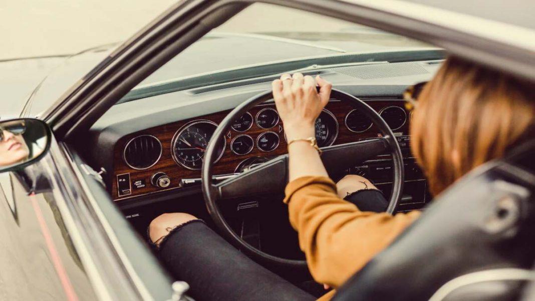 drive and listen εικονικό ταξίδι με αυτοκίνητο