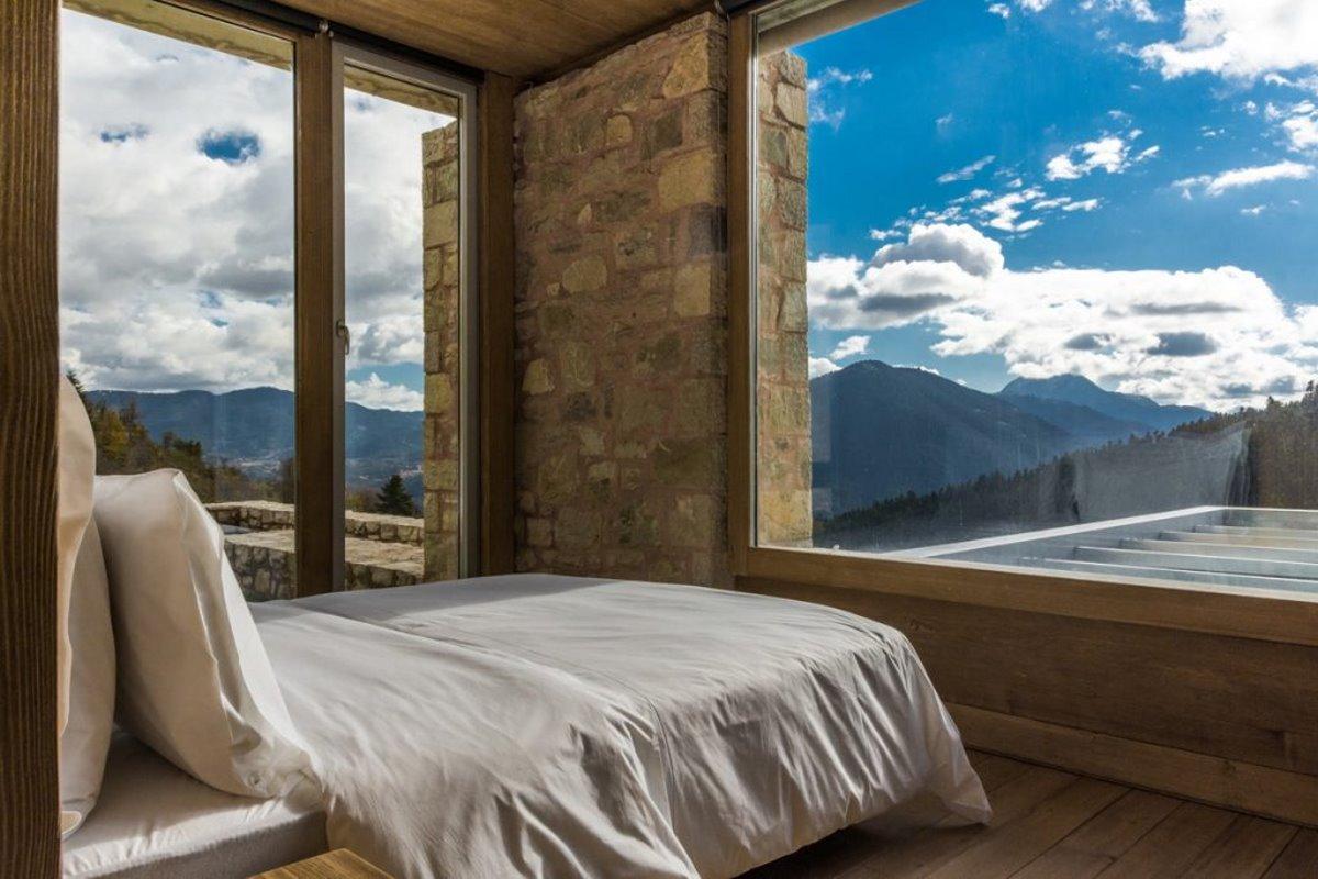 Escapade ξενοδοχείο στο καρπενήσι πέτρα σε δίκλινο δωμάτιο