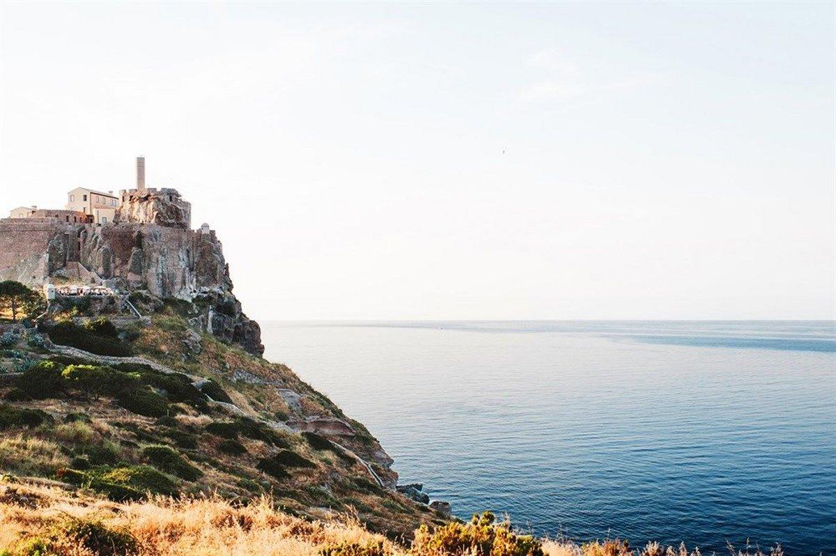 Forte San Giortgio στην Τοσκάνη πάνω στα βράχια