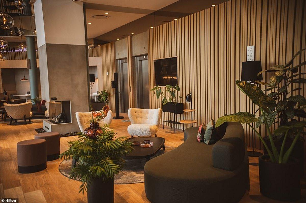 Hilton πράσινο ξενοδοχείο Νησιά Φερόε lobby