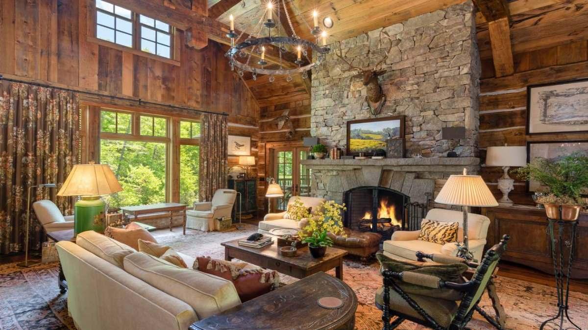 Rent a House η νέα ταξιδιωτική τάση σε σπίτι στο βουνό με τζάκι