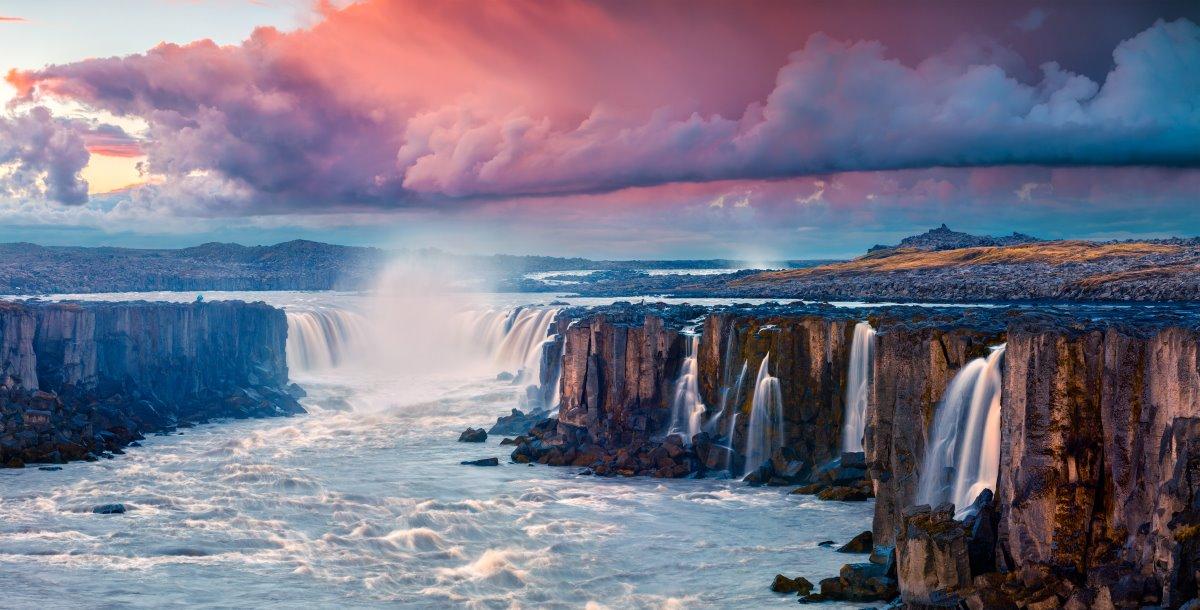 Υπέροχα φυσικά τοπία στην Ισλανδία