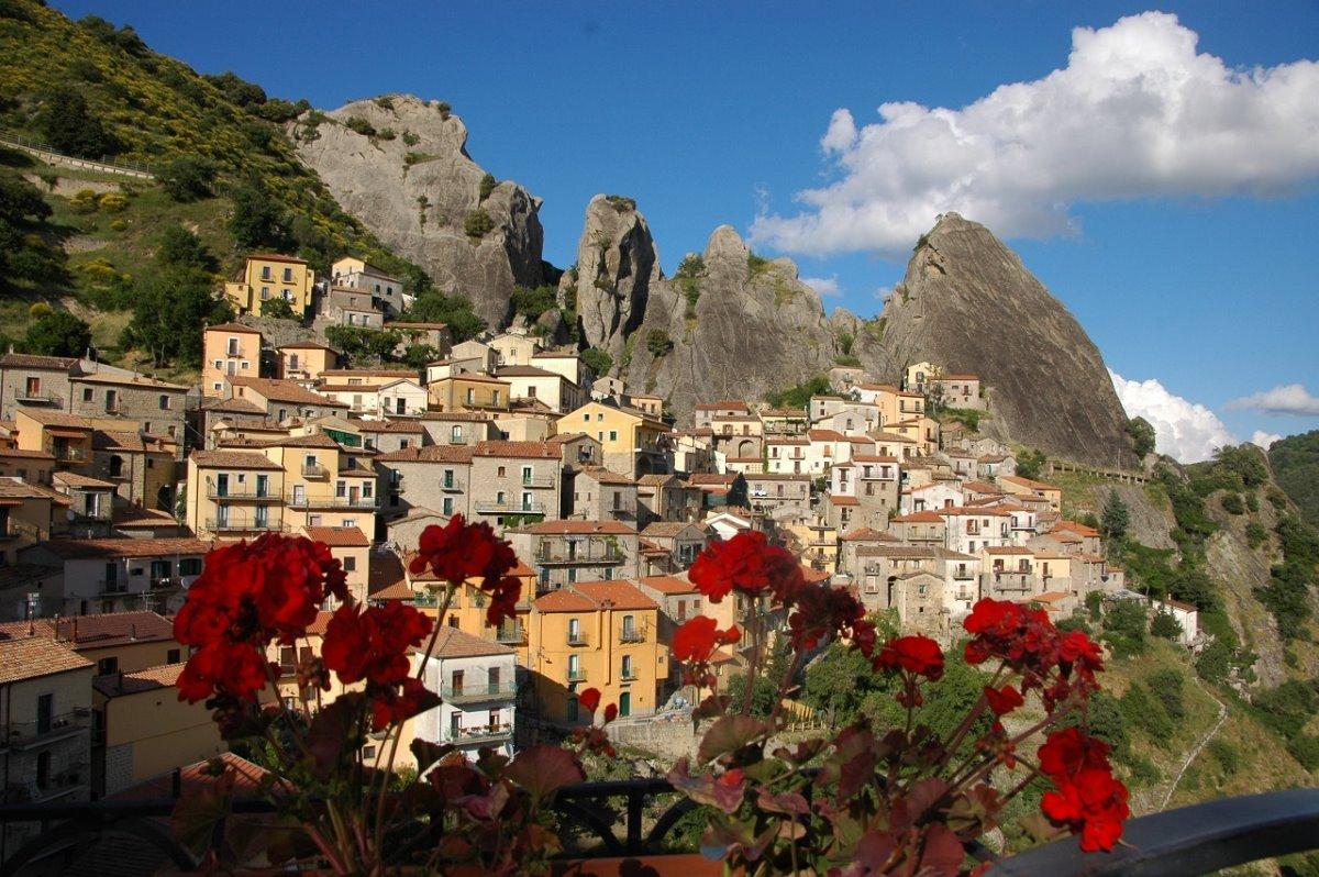 όμορφα ιταλικά χωριά Pietrapertosa