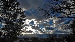 Καιρός 27/11: Άστατος με μικρή άνοδο της θερμοκρασίας – Πού θα βρέξει σήμερα
