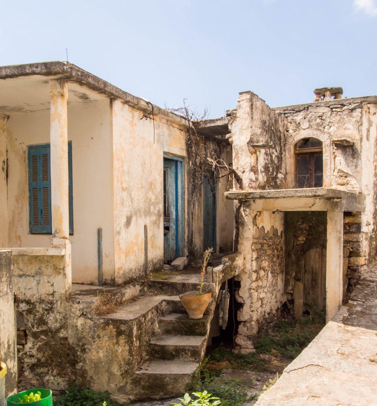 Καλάμι, το  χωριό φάντασμα έξω από το Ηράκλειο