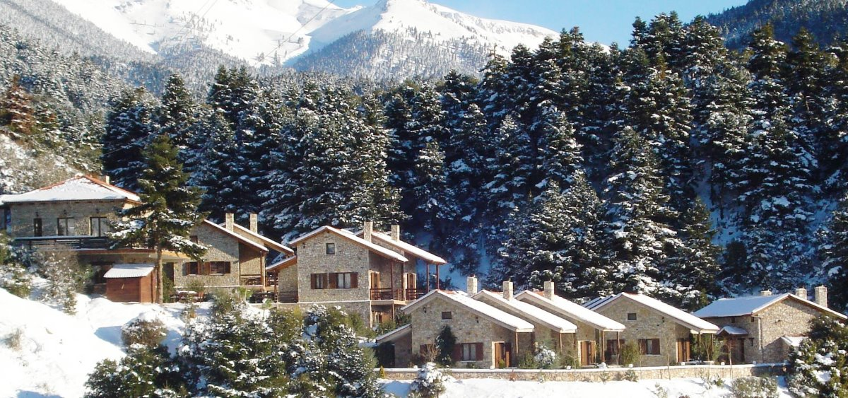 καλάβρυτα χειμερινός προορισμός χιόνια και δάσος